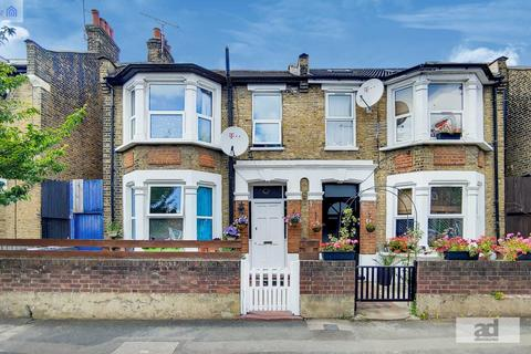 3 bedroom semi-detached house for sale - Tyndall Road, Leyton