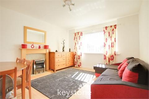 2 bedroom flat for sale - Thornfield Avenue, Connah's Quay, Connah's Quay, Flintshire. CH5 4HX