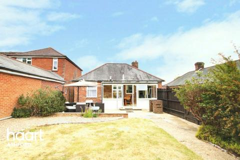 2 bedroom detached bungalow for sale - Kingsnorth Road, Ashford