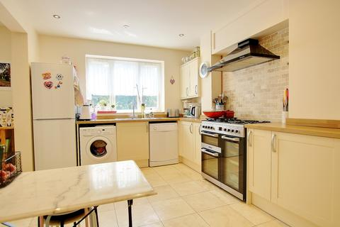 3 bedroom detached house for sale - GUIDE PRICE £350,000 - £375,000! IMPRESSIVE ACCOMMODATION! A MUST SEE!
