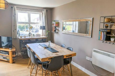 2 bedroom apartment for sale - Brook Square, Blackheath, London  SE18