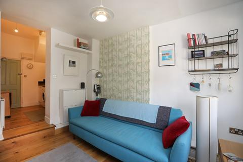 1 bedroom ground floor flat for sale - Grosvenor Road, Forest Gate, E7