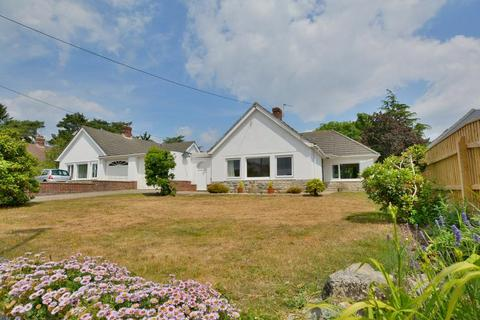 2 bedroom detached bungalow for sale - Mags Barrow, West Parley, Dorset, BH22 8PB