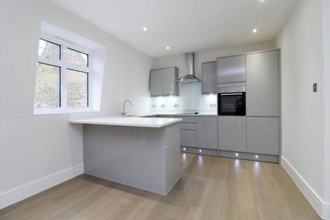 2 bedroom flat for sale - Tylney Road, Bromley