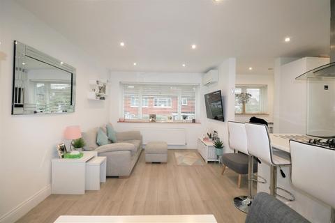 3 bedroom maisonette for sale - Campbell Croft, Edgware