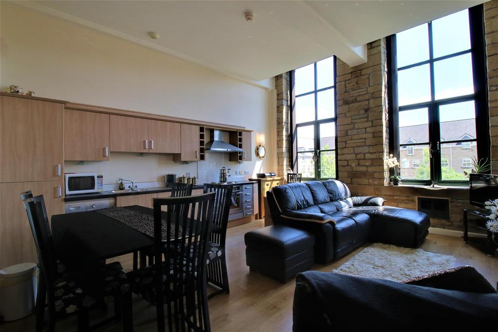 Living/dining kitchen