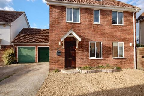 4 bedroom detached house for sale - Brent Avenue, South Woodham Ferrers, Essex, CM3