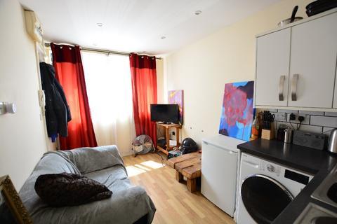 Studio to rent - Elder Place, City Centre, Brighton, BN1 4GF