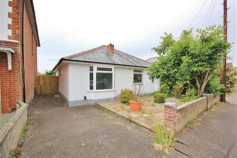 2 bedroom bungalow for sale - Alexandra Road, Lower Parkstone, Poole