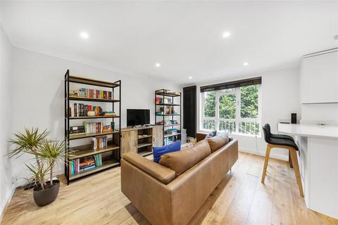 2 bedroom flat for sale - Hydethorpe Road, SW12