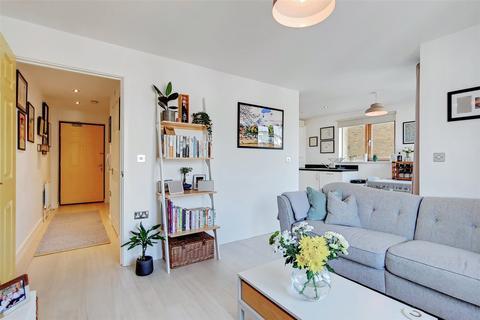 1 bedroom flat for sale - John Bell Tower West, 5 Pancras Way, London, E3