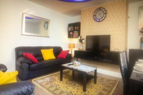 2 bedroom terraced house to rent - BAYSWATER MOUNT, LEEDS, HAREHILLS, WEST YORKSHIRE