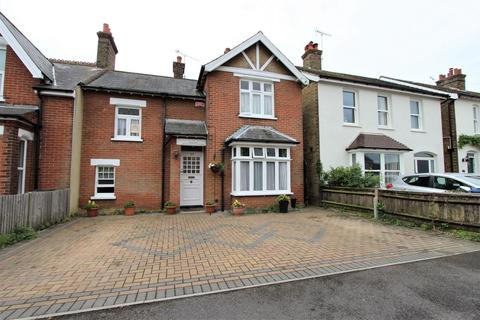 3 bedroom end of terrace house for sale - Church Path, Deal, CT14