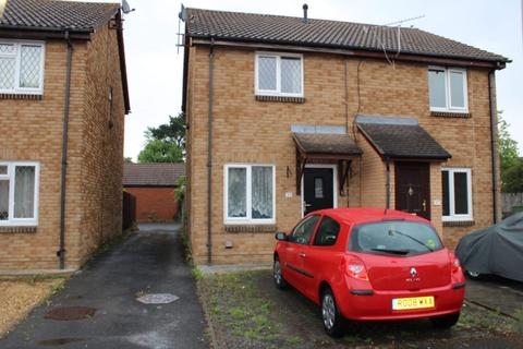 2 bedroom semi-detached house for sale - Cairngorm Road Thatcham