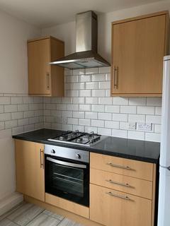 2 bedroom flat to rent - Hoe Street, Walthamstow, E17 4SD