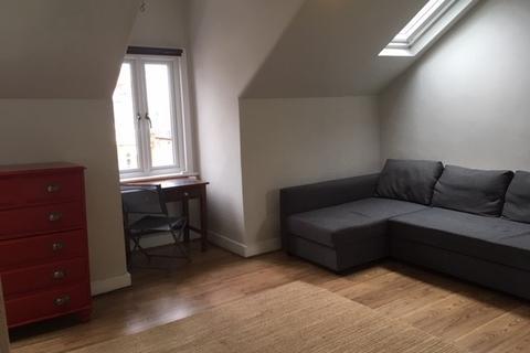 Studio to rent - CAMBRIDGE ROAD, NEW MADLEN KT3