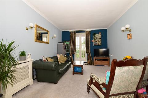 2 bedroom apartment - Barham Mews, Teston, Maidstone, Kent