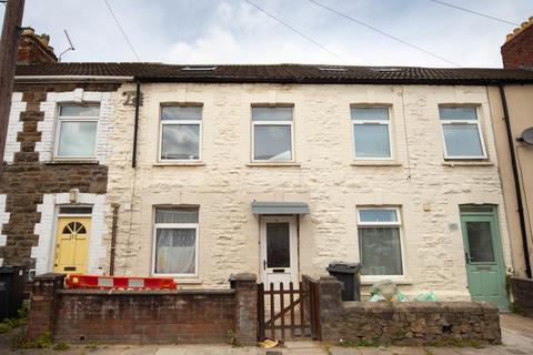Studio to rent - Woodville Road, Cathays, Cardiff