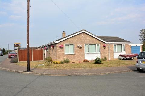 3 bedroom detached bungalow for sale - Cedar Close, Bacton