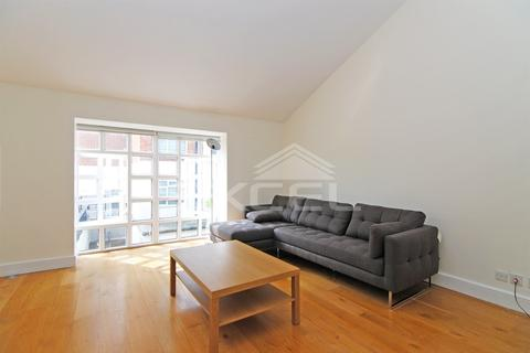 3 bedroom townhouse to rent - Graces Mews, Abbey Road, St Johns Wood NW8 9AZ
