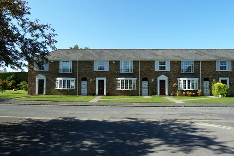 3 bedroom house to rent - West Common Close, Gerrards Cross, Buckinghamshire