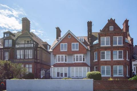 3 bedroom apartment for sale - Walmer