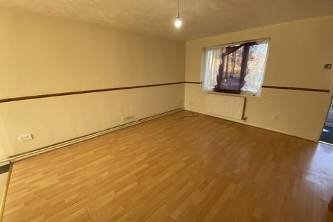 3 bedroom terraced house to rent - Coltsfoot Green, LU4