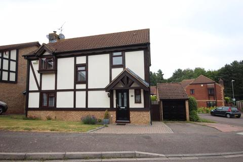 4 bedroom detached house for sale - Stunning 4 bed detached in Wigmore.....MUST BE VIEWED.....