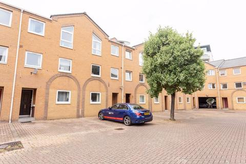 5 bedroom property to rent - Cyclops Mews, Docklands, E14, Docklands (Isle of Dogs)