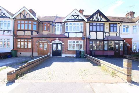 4 bedroom terraced house for sale - Ilfracombe Gardens, Romford, RM6