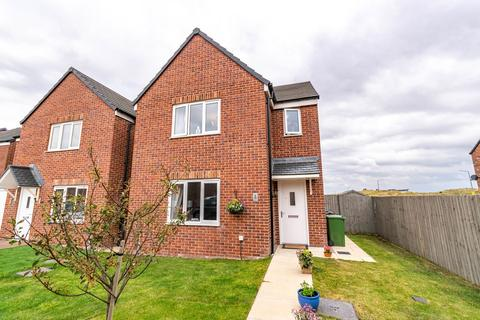 3 bedroom detached house for sale - Almond Close, Lytham St Annes, FY8