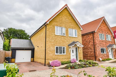 3 bedroom detached house for sale - Clover Drive, Little Canfield, Dunmow
