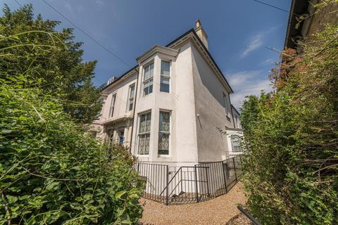 2 bedroom flat for sale - Old Dover Road, Canterbury