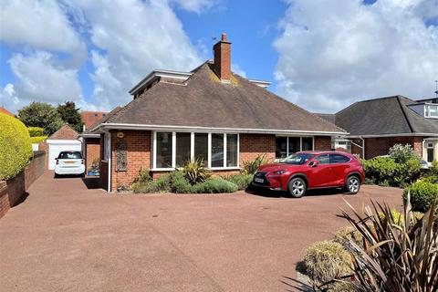4 bedroom detached bungalow for sale - Clifton Drive North, St Annes