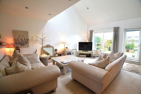 1 bedroom flat for sale - Lloft Deri, Heol Y Deri , Rhiwbina, Cardiff. CF14 6LQ