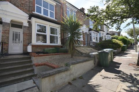 2 bedroom terraced house to rent - Crumpsall Street London SE2