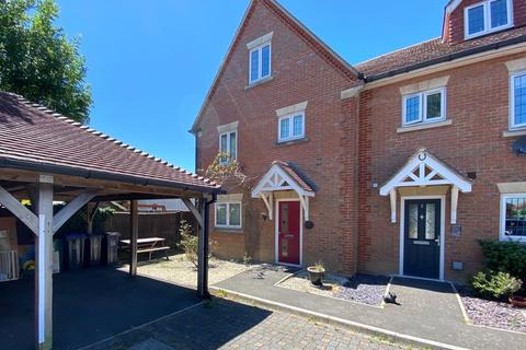 4 bedroom end of terrace house for sale - Wraysbury Gardens, Lancing, West Sussex, BN15
