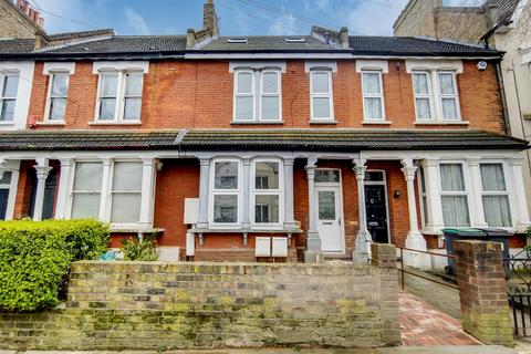 3 bedroom terraced house for sale - Lascotts Road, Wood Green