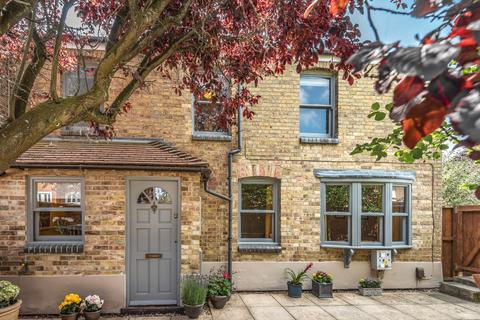 2 bedroom semi-detached house - Islip Road, North Oxford, OX2