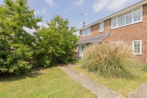 4 bedroom semi-detached house for sale - Lupin Drive, Chelmsford CM1