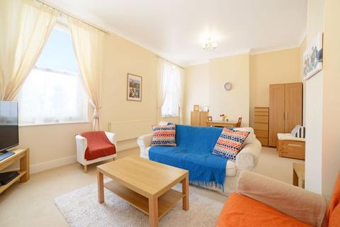 1 bedroom apartment for sale - Redwood House, Charlton Down, DT2