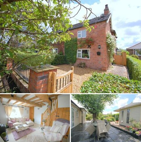 2 bedroom cottage for sale - Main Road, Shavington, Crewe