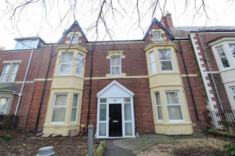 3 bedroom flat to rent - Albany Gardens, Whitley Bay