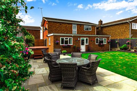 4 bedroom detached house for sale - Arcadia Road, Burnham-On-Crouch