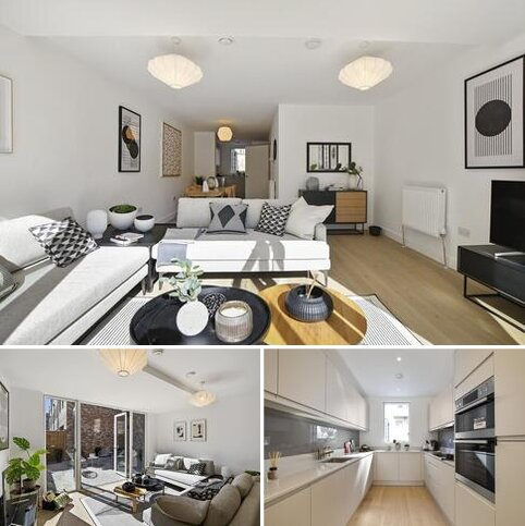 4 bedroom townhouse for sale - Oriental Square - 4 Bedroom Townhouse at 399, 399 Edgware Road, London NW9
