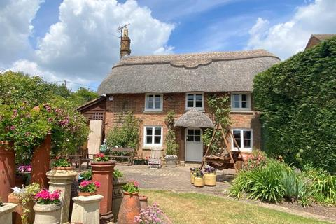 3 bedroom cottage for sale - Quarr Lane, Halls Road, Lytchett Matravers, Poole, BH16 6EP