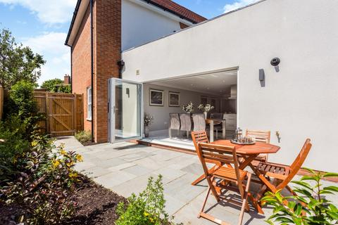 3 bedroom apartment for sale - Fordwater Road, Summersdale, Chichester, PO19