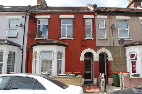 2 bedroom flat to rent - Stork Road, E7