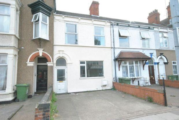 6 Bedrooms Terraced House for sale in Grimsby Road, Cleethorpes