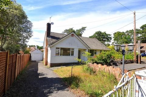 3 bedroom detached bungalow for sale - St Ives, Ringwood, BH24 2LW